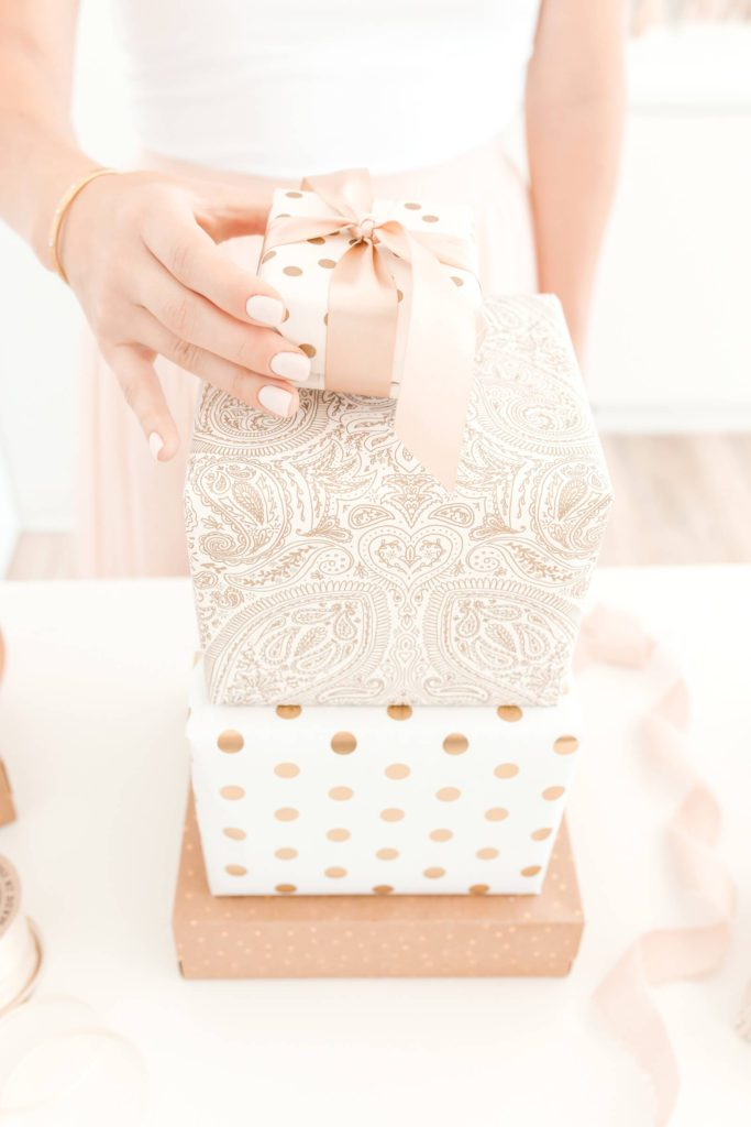 Glam gift guide ideas for her