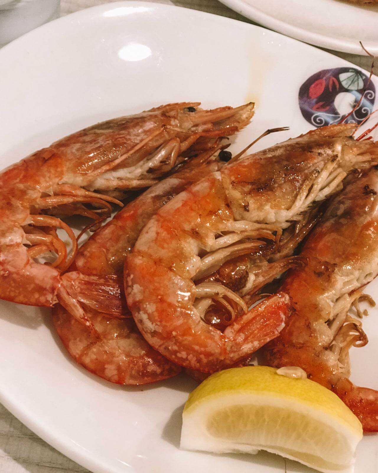 Must try restaurant in Barcelona Spain: La Paradeta (seafood)
