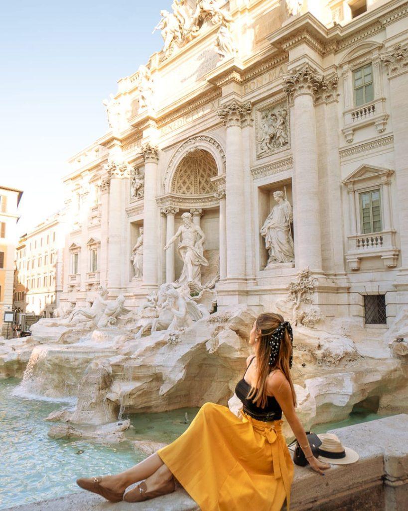 The beautiful fontana di Trevi in Rome early in the morning
