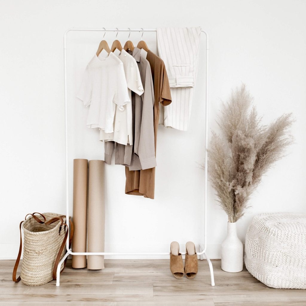minimize your wardrobe to become more minimalist