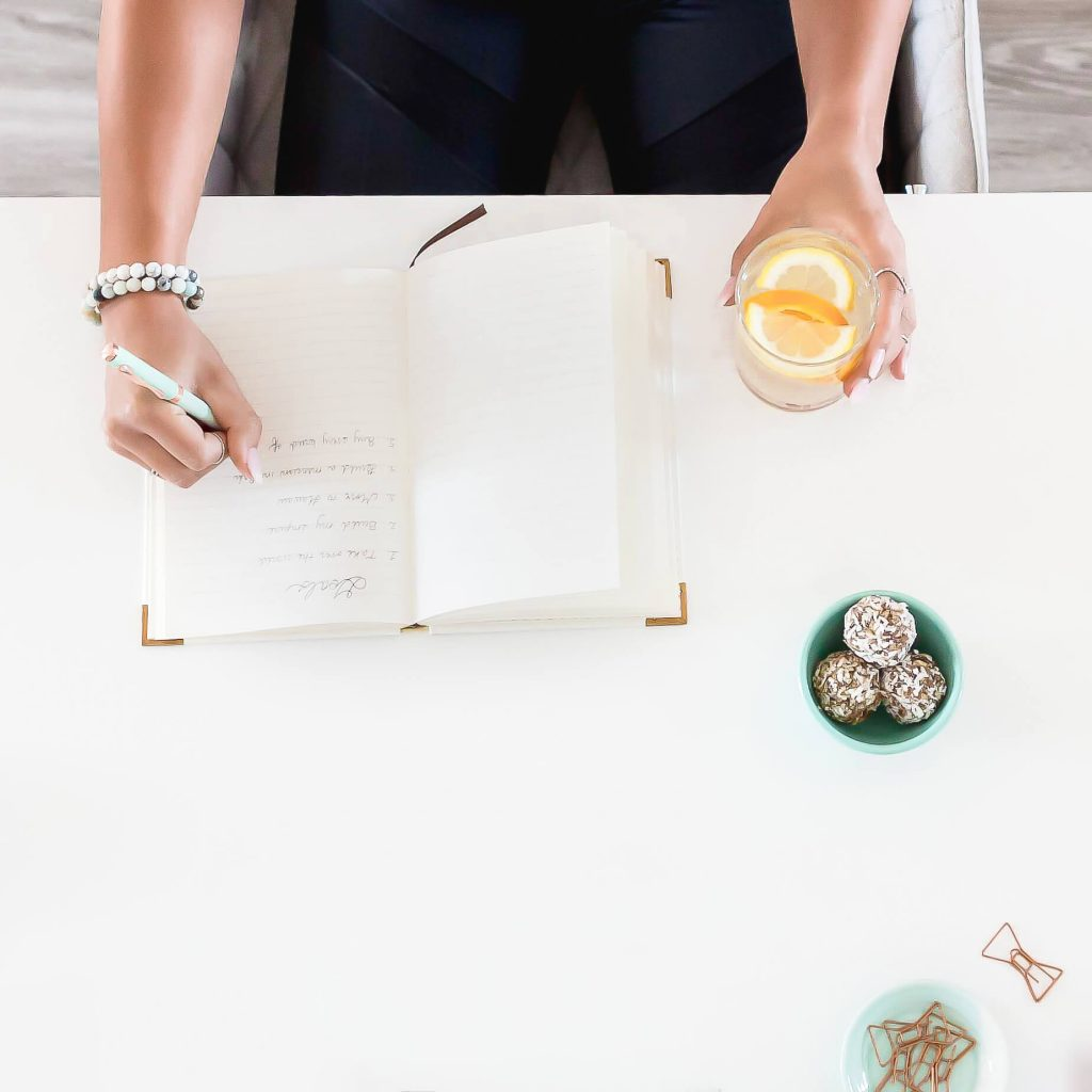 be sure to take with you a journal and a pen. This conveys professionalism and makes you stand out from other influencers.  Learn the best practices to being a successful influencer at La Belle Society