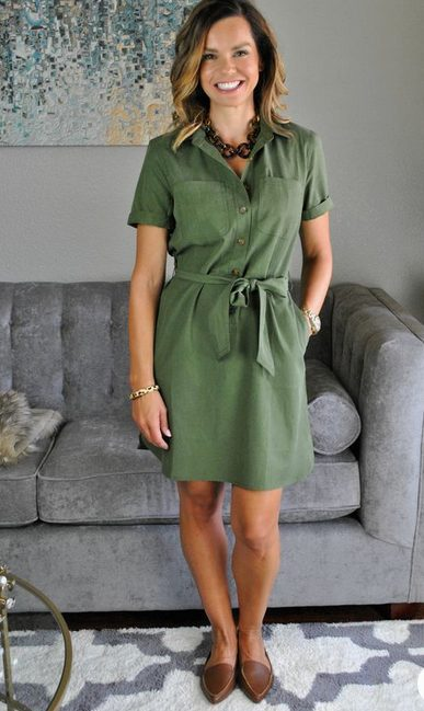The best shirt dress outfit for women & t shirt fashion   SHORT GREEN SHIRT DRESS - Looking for the perfect office dress shirt outfit to wear for summer? These shirt dress outfits and styles shirt are perfect to wear for warm weather. Find the best casual and chic dress shirt outfits for women that are, comfortable, and also the best fashionable t shirts summer outfits for women. #shirtdressoutfit #shirtdress #tshirtstyle #styleshirt #summeroutfits