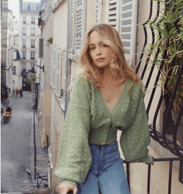 Fashion Tips How to Dress Like a French Woman Over 30 from French Stylists such as this stunning green cardigan  | Need some style advice and fashion tips from top French fashion designers? Understand what is the Parisian chic style, get style inspiration and style advice from French women style icons. This post has the best French style inspiration and French style guide for women over 30 for summer. #fashionadvice #fashiontips #styleadvice #frenchstyletips #parisianfashion #frenchwomanstyle #parisianchic