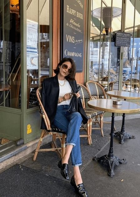 Fashion Tips for Women Over 30 from French Stylists such as this midi navy blue jacket and denim jeans | Need some style advice and fashion tips from top French fashion designers? Understand what is the Parisian chic style, get style inspiration and style advice from French women style icons. This post has the best French style inspiration and French style guide for women over 30 for summer. #fashionadvice #fashiontips #styleadvice #frenchstyletips #parisianfashion #frenchwomanstyle #parisianchic