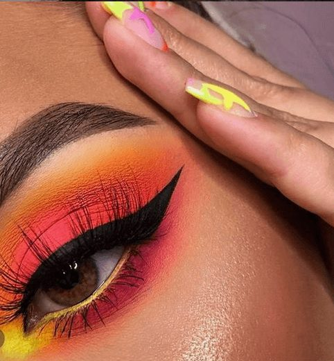 Neon Pink and Orange Eye Makeup Eye Shadow   From Neon eyeshadow looks, neon eyeshadow in bright colors, from green, yellow, orange, hot pink, and blue. Beautiful eye makeup eyes, from neon eyeshadow makeup inspiration  colorful eye makeup, bright eye makeup, dramatic colorful eye makeup, and neon eyeshadow makeup tutorial, perfect for summer. Here you'll find the best bold ideas for bright neon eye makeup ideas, colorful eyeshadow, neon makeup glitter, and summer festival makeup #neoneyeshadow #neoneyemakeup #colorfuleyemakeup #brighteyemakeup #neoneyemakeupideas