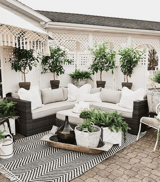 The Best Outdoor Patio Furniture on Amazon for Summer | Feminine and White , Looking for modern ideas for outdoor patio furniture? Find ideas on how to decorate outdoor patio, lounge areas, ideas layout, and small dining lounge areas with fire pit, set decks, outdoor porch ideas, cushions, backyard ideas and patio inspiration for small space during summer. #patiofurniture #outdoorfurniture #patiodecore #patioinspiration