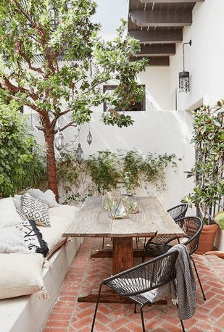 The Best Outdoor Patio Furniture on Amazon for Summer | Rustic and Charming. Looking for modern ideas for outdoor patio furniture? Find ideas on how to decorate outdoor patio, lounge areas, ideas layout, and small dining lounge areas with fire pit, set decks, outdoor porch ideas, cushions, backyard ideas and patio inspiration for small space during summer. #patiofurniture #outdoorfurniture #patiodecore #patioinspiration