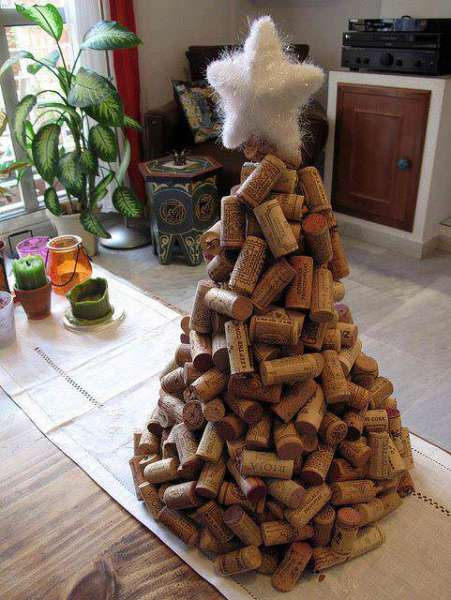 Wine Cork Christmas Tree | Want ideas for unique Christmas trees for the 2020 holiday season? Find inspiration ideas for your Christmas tree decoration from creative and unique xmas trees. From white, upside down, best Christmas trees on wall, pink Christmas trees, and even Disney Christmas tree decorations. From big and small unique Christmas tree ideas. Perfect for kids and for the holidays. #uniquechristmastree #christmastreeideas #christmastreeideas #christmas
