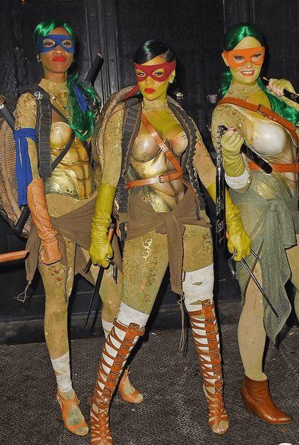 Cute Teenage Ninja Turtles Halloween Costume for Groups | The best group Halloween costumes for girls