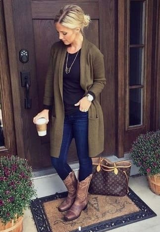 Elegant fall outfits: woman wearing a Olive green cardigan with jeans, black shirt and brown cowboy boots.