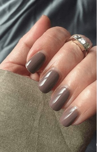 Want the best fall nail color ideas for autumn nails, such as this Elegant Neutral Fall Nail Color? Find cute and elegant acrylic and gel polish nail polish ideas for 2020, from light, neutral, orange and matte fall nail color ideas, perfect for both light and dark skins #fallnailcolor #fallnailideas #autumnnailcolors #autumn #fallcolors