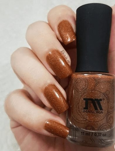 Want the best fall nail color ideas for autumn nails, such as this Glitter and Orange Tones Nail Color Idea? Find cute and elegant acrylic and gel polish nail polish ideas for 2020, from light, neutral, orange and matte fall nail color ideas, perfect for both light and dark skins #fallnailcolor #fallnailideas #autumnnailcolors #autumn #fallcolors