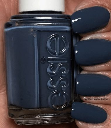 Want the best fall nail color ideas for autumn nails, such as this Chic Dark Blue Nail Color? Find cute and elegant acrylic and gel polish nail polish ideas for 2020, from light, neutral, orange and matte fall nail color ideas, perfect for both light and dark skins #fallnailcolor #fallnailideas #autumnnailcolors #autumn #fallcolors