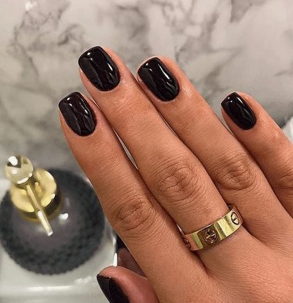 Want the best fall nail color ideas for autumn nails, such as this Elegant Black Nail Color? Find cute and elegant acrylic and gel polish nail polish ideas for 2020, from light, neutral, orange and matte fall nail color ideas, perfect for both light and dark skins #fallnailcolor #fallnailideas #autumnnailcolors #autumn #fallcolors
