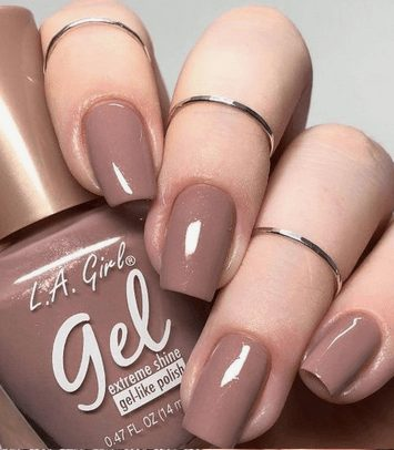 Want the best fall nail color ideas for autumn nails, such as this Beautiful Cappuccino Nail Color for Autumn? Find cute and elegant acrylic and gel polish nail polish ideas for 2020, from light, neutral, orange and matte fall nail color ideas, perfect for both light and dark skins #fallnailcolor #fallnailideas #autumnnailcolors #autumn #fallcolors