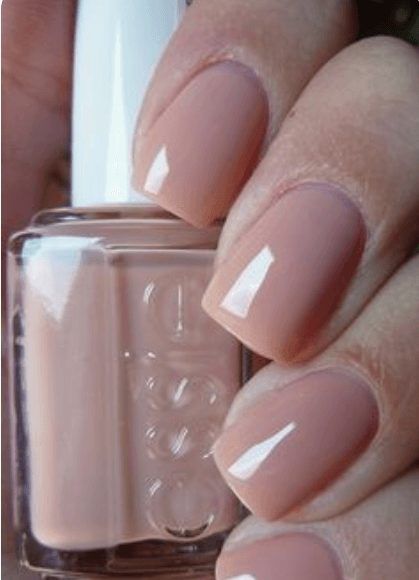 Want the best fall nail color ideas for autumn nails, such as this Chic Nude polish? Find cute and elegant acrylic and gel polish nail polish ideas for 2020, from light, neutral, orange and matte fall nail color ideas, perfect for both light and dark skins #fallnailcolor #fallnailideas #autumnnailcolors #autumn #fallcolors