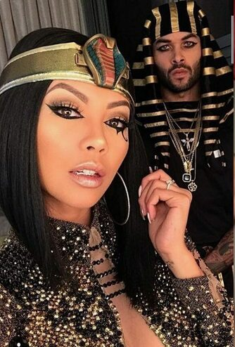 Sexy Cleopatra and Mark Antony Costume  | Looking for iconic couples costume Halloween ideas for 2020? Find the best couples Halloween costume ideas, perfect for matching with your boyfriend. Find hot couples costume ideas, cool Disney characters costumes and the best DIY, funny, and scary couples Halloween costume inspiration.  #CouplesCostumeHalloween #couplescostume #halloweencouples #halloween