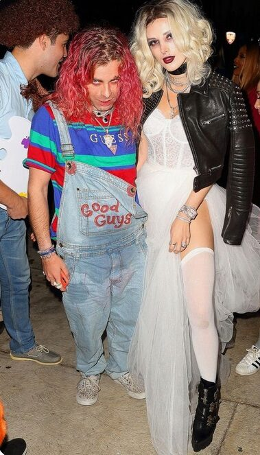 Mad Hatter and Queen of Hearts Halloween Costume    Looking for iconic couples costume Halloween ideas for 2020? Find the best couples Halloween costume ideas, perfect for matching with your boyfriend. Find hot couples costume ideas, cool Disney characters costumes and the best DIY, funny, and scary couples Halloween costume inspiration.  #CouplesCostumeHalloween #couplescostume #halloweencouples #halloween