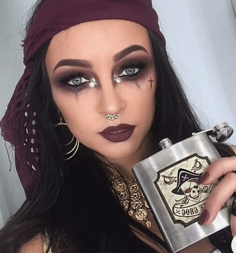 Sexy Pirate Makeup Inspiration for Halloween