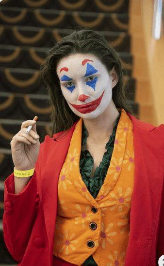 Easy The Joker Halloween Makeup for Women (Joaquin Phoenix)
