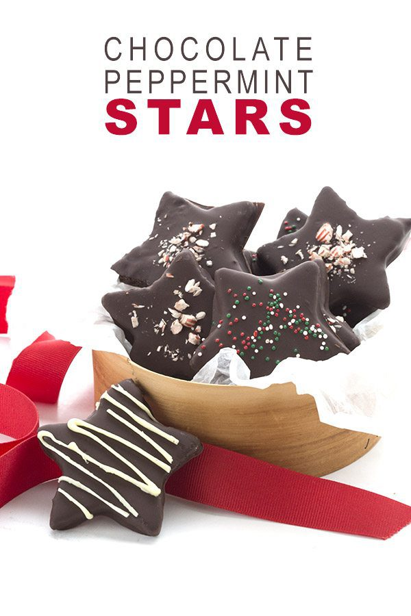 Looking for delicious sugar-free Christmas candy recipes, such as this Low Carb Chocolate Peppermint Stars? Find the best keto candy recipes for Christmas party. From easy sugar-free candy recipe with apples, crockpot, and delicious homemade holiday fat bombs and treats #christmascandy #sugarfreecandy #ketocandyrecipes