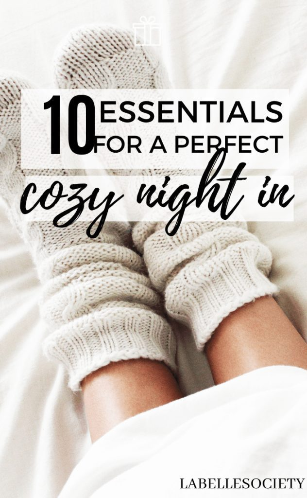 Looking for comfy ideas to cozy up on a couch under a blanket during autumn and winter? Pick any of these brilliant cozy night in essentials and get ready for a delicious cozy evening at home (they are also great winter gift ideas) #cozynightin #cozynightessentials #cozynight