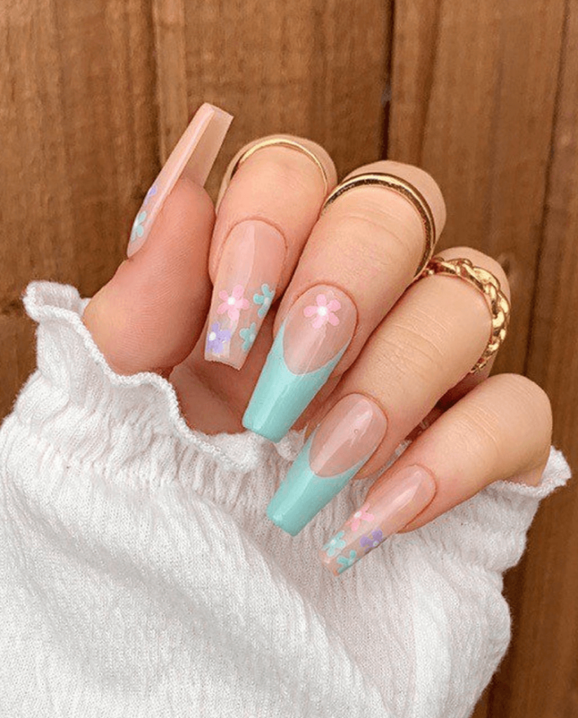 Pastel Daisies & French Tip Press On Nails