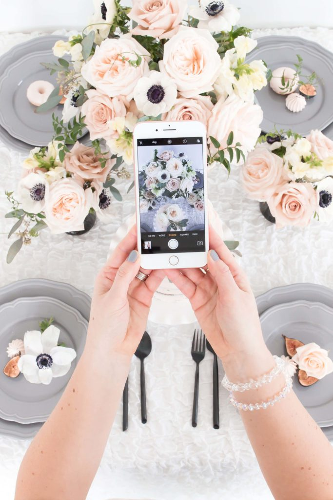 Digital detoxing can improve well-being. Here, you will find some tips for a successful digital detox to break smartphone addiction. If you spend too much on the screen for work or scrolling through social media, we hope the information will help you.