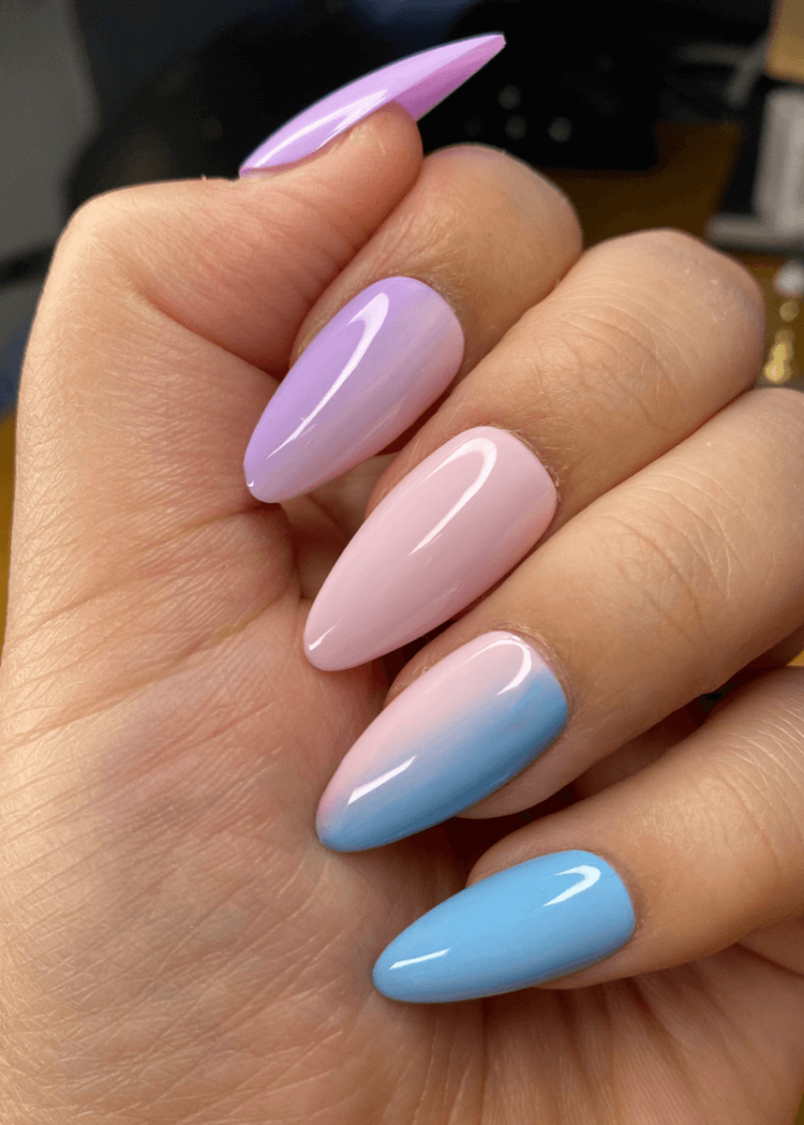 Cotton candy nails- Gradient press on nails styled in medium almond