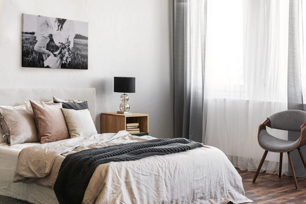 6 Unique Ways to Decorate Your Bedroom So It Reflects Your Personality
