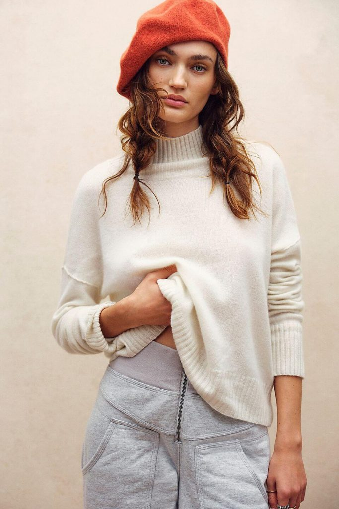 40+ Stylish Work From Home Outfit Ideas So You Always Look Cool like this Poppy Cashmere Turtleneck