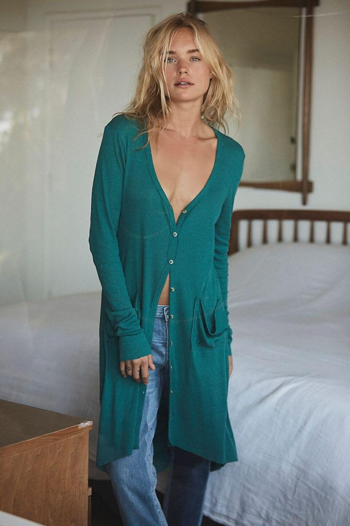 40+ Stylish Work From Home Outfit Ideas So You Always Look Cool, such as this Ribbed Up Maxi Cardigan