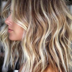 5 Easy Ways to Get Beachy Waves Hair for Summer 2020